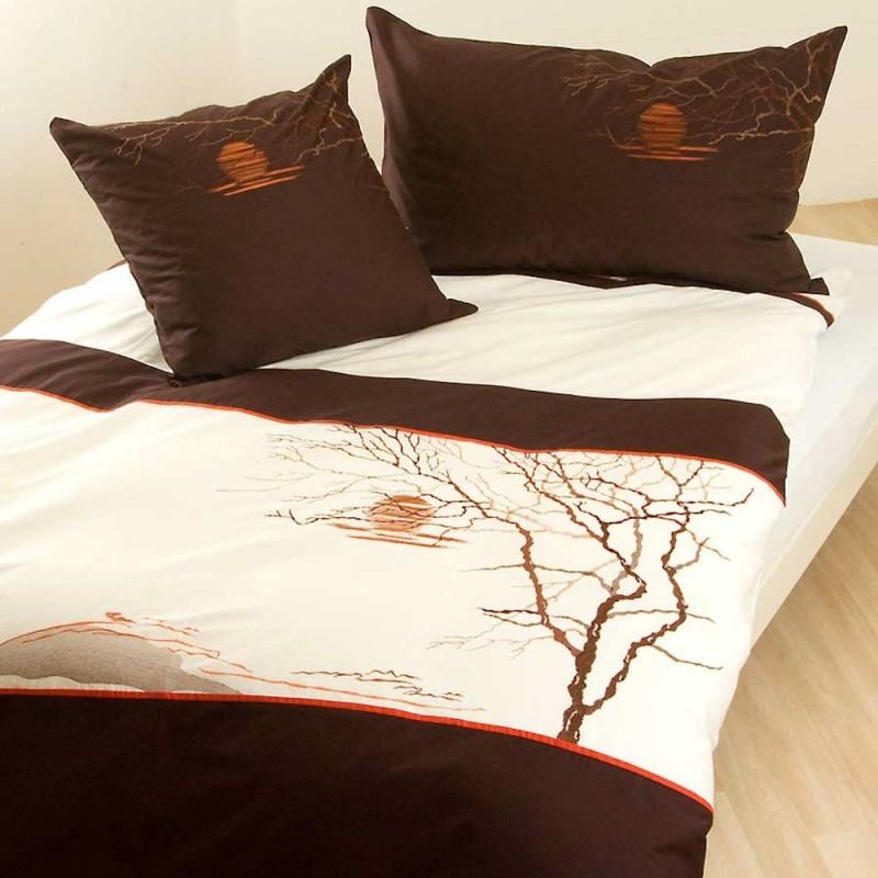 bettw sche mit stickerei landschaft wollweiss braun feng shui optik. Black Bedroom Furniture Sets. Home Design Ideas