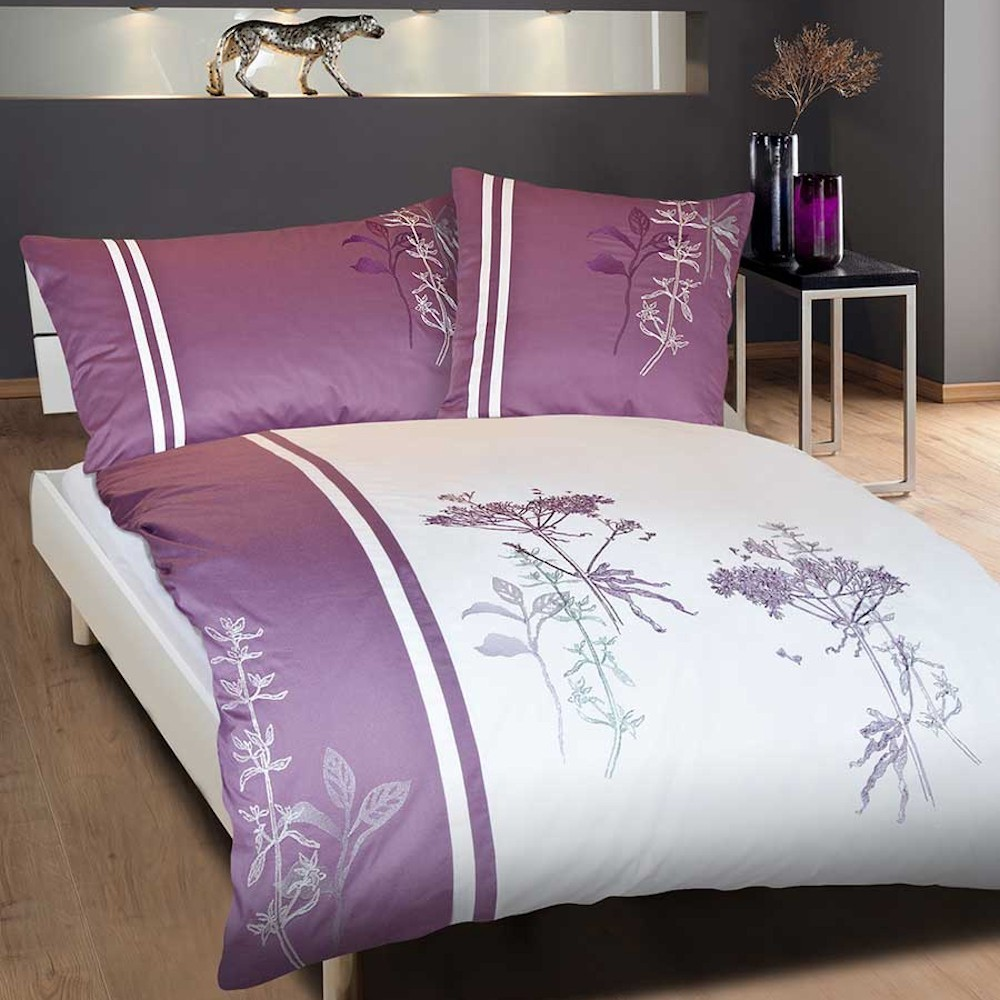 bettw sche mit stickerei sonja weiss lila mit blumen bl tter stickerei. Black Bedroom Furniture Sets. Home Design Ideas