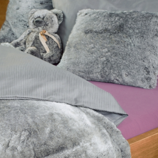 Winter Home Wärmflasche Fellimitat Silverracoon Grau Geschenk